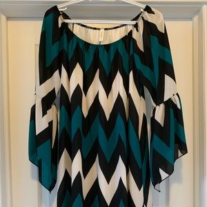 Dresses & Skirts - NWOT off-shoulder dress with bell sleeves size L